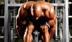 """肩部肌肉锻炼,三合组获得超震撼的肌肉""""泵感""""。"""