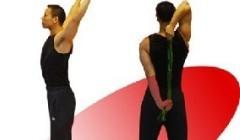 分享一种肩部肌肉拉伸动作 经历伤痛休息2周
