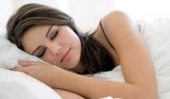 """养成规律睡眠,勿进""""补觉""""误区."""