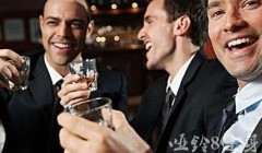 喝酒对亚博app下载安装的影响