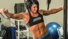 四、健身初期以掌握健身动作为主