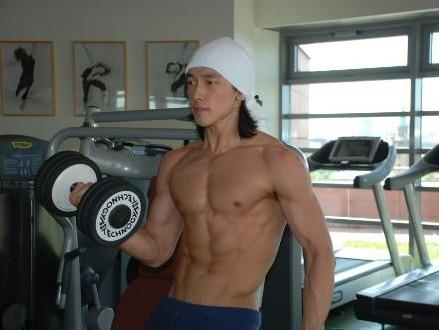 肌肉男大JJ图片