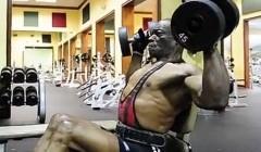 不可思议:70岁高龄的健身狂魔