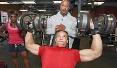 18岁肌肉男成功源于自律