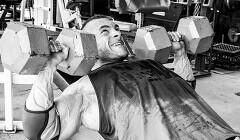 上床睡觉以前应该吃什么做燃料保证肌肉增长?