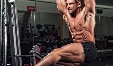 悬垂举腿可是个高难度腹肌训练动作,一般人很难掌握