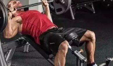 为什么胸肌练不大?增大胸肌的3个训练技巧